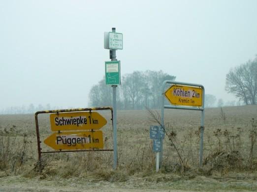 DSCN1767 2011-03-02 Wegweiser Schwiepke