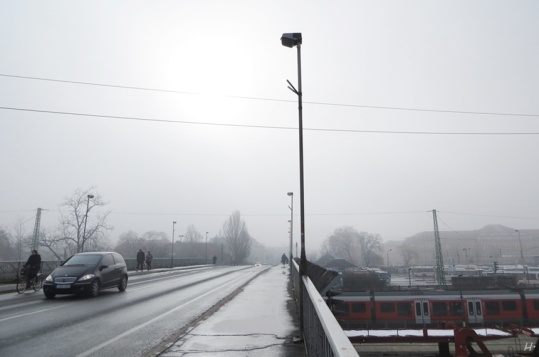 2014-02-18 Györ_Ung morgens (15) Brücke am Bahnhof
