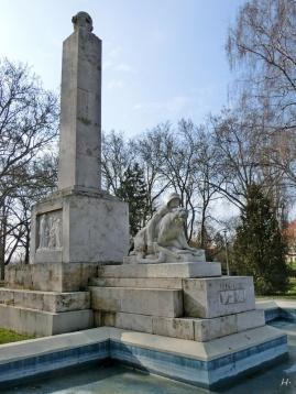 2014-02-20 Györ 1540 RadóSziget Kriegerdenkmal f WK1 Horvay János