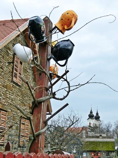 2014-02-23 Ausflug zum Balaton CIMG1926 Tihany Töpferwerbung+Benediktinerabtei