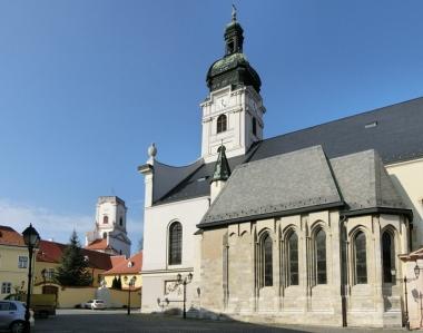 2014-02-24 Györ CIMG2062 Basilika mit Kapelle Héderváry