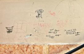 2014-02-24 Györ CIMG2067 Lépcsö köz Graffity