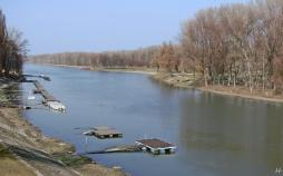 Blick von der Jedlik Ányos-Brücke über die Kleine Donau