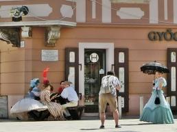 Teilnehmer der Barokk Esküvő