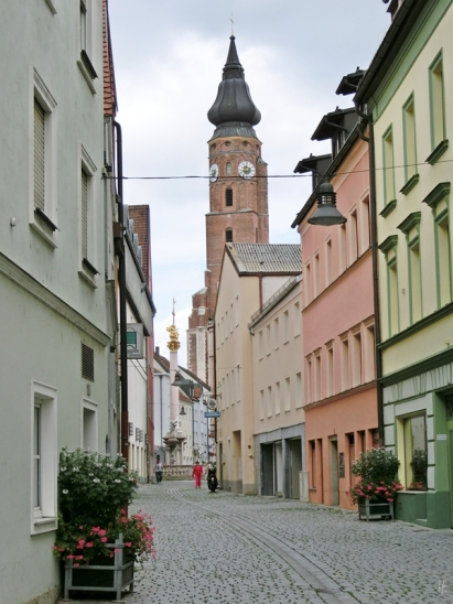 2014-08-12 Straubing 440 Bernauergasse Pfarrkirche St.Jakob+Dreifaltigkeitssäule