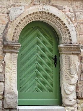 2014-08-13 11h Eisfeld_Thüringen (28) alte Tür hinter der Kirche