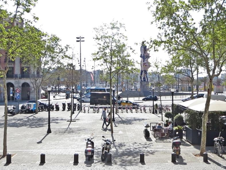 """2015-04-11 Barcelona IMG_2239 11h01 Plaça d'Antonio López - """"The Head"""" von Roy Lichtenstein"""