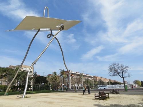 2015-04-11 Barcelona IMG_2323 12h28 Parc de les Cascades-David i Goliat-Antoni Llena+Plaça dels Voluntaris Olímpics