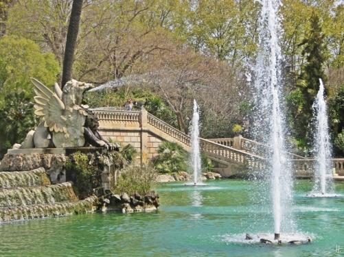 2015-04-11 Barcelona IMG_2358 13h01 Parc de la Ciutadella - Cascada - Löwe+3Fontänen