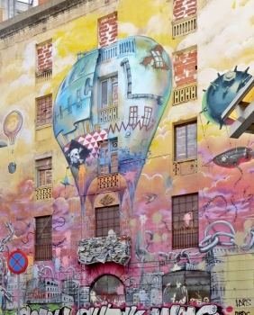 2015-04-12 Barcelona IMG_2459S 11h04 Sant Antoni Eckhaus Carrer del Comte d'Urgel 122
