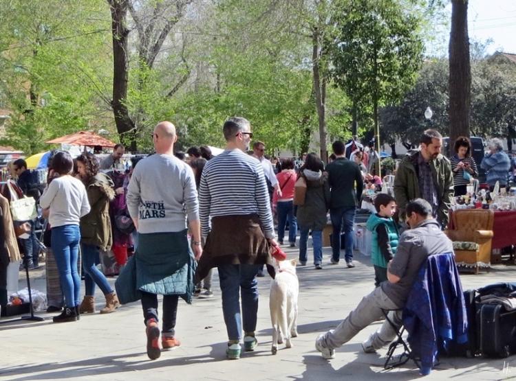 2015-04-12 Barcelona IMG_2472 11h30 Flohmarkt Carrer del Portal de Santa Madrona - Plaça de Blanquerna