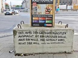 2015-07-27 BERLIN-Tage 172 Zitate am Spreeufer (Am Kupfergraben) Hugo vHoffmannsthal