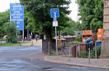 2015-07-27 BERLIN-Tage 181 Woran-liegt-es-dass-wir-noch-immer-Barbaren-sind Dorotheenstrasse