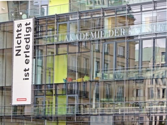2015-07-28 BERLIN-Tage 252S Pariser Platz 'Nichts ist erledigt' Akademie der Künste