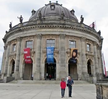 2015-07-28 BERLIN-Tage 387 Mitte Bode-Museum an der Montbijou-Brücke