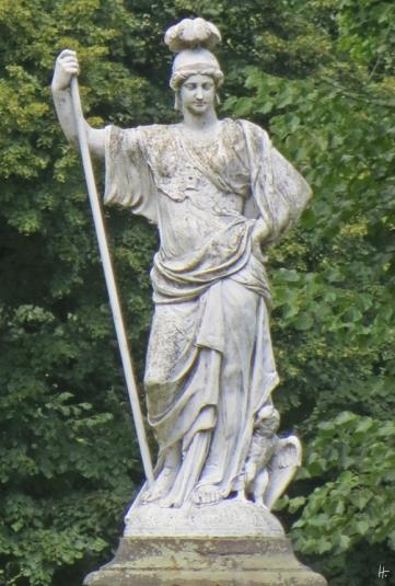 2015-07-30 BERLIN-Tage 740 Charlottenburg Schlosspark Charlottenburg Skulptur der Athene, Portrait Sophie Charlottes