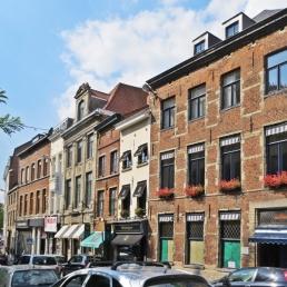 Häuser in der Rue Bodenbroek / Bodenbroekstraat gegenüber der Kirche Onze-Lieve-Vrouw ten Zavel / Église Notre-Dame du Sablon