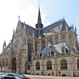 Ecke Rue de la Régence - Rue Bodenbroek: die gotische Kirche Onze-Lieve-Vrouw ten Zavel / Église Notre-Dame du Sablon, auch 'Notre-Dame des Victoires' mit Ursprung im 14., Jh.