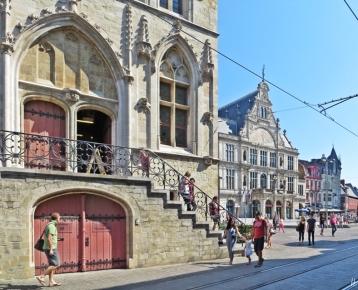 2015-08-22 2_Gent_10_3 zw StNiklaaskerk+StBaafs (9) Belfort+Sint-Baafsplein+Tuchhalle