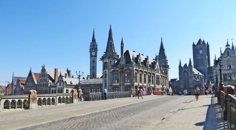2015-08-22 2_Gent_7 Sint-Michielsbrug (2) Michaelsbrücke+Graslei+altem Postamt+St.Nicholaikirche
