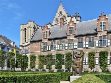 2015-08-23 3_Gent_14 Pand+Sint-Michielskerk (3) Het Pand+Bronzeplastik (Maurits Witdouck)+Sint-Michielskerk