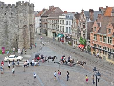 2015-08-23 3_Gent_16 Sint-Veerleplein+Gravensteen (12) Kutschen