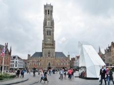 2015-08-24 4_Brügge_14 Grote Markt (30) Belfried+Diamondscope