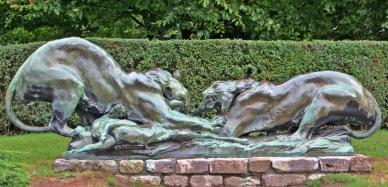 2015-08-25 5_Gent_4 Stadtring-Citadelpark (13) Bronzeplastik Tiger&Beute Jacques de Lalaing v 1887