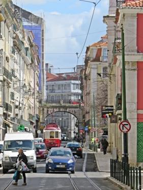 2016-03-31 Lissabon (Portugal) Tag 3-32 (6) Rua de São Paulo+Travessa Carvalho+Arco da Rua do Alecrim