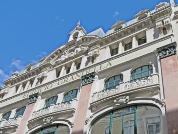 2016-03-31 Lissabon (Portugal) Tag 3-36 Rua do Carmo (8) Edificio Grandella