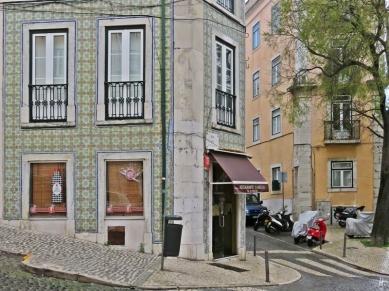 2016-03-31 Lissabon (Portugal) Tag 3-5 (7A) Rua da Esperança-Ecke mit Geschäft