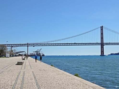 2016-04-01 Lissabon (Portugal) Tag 4-7 Av. Brasilia, Belém (12) Tejo+Ponte de 25 Abril