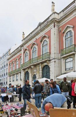 2016-04-02 Lissabon (Portugal) Tag 5-1 Feira da Ladra - Flohmarkt (33) vor dem Palácio Sinel de Cordes