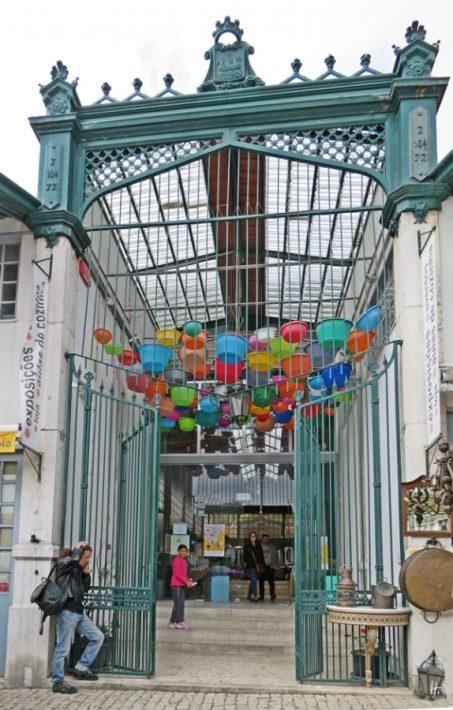 2016-04-02 Lissabon (Portugal) Tag 5-1 Feira da Ladra - Flohmarkt (62) Alte Markthalle