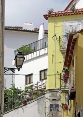 2016-04-02 Lissabon (Portugal) Tag 5-2 Alfama (10) Rua das Escolas Gerais