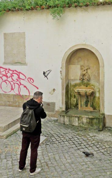 2016-04-02 Lissabon (Portugal) Tag 5-2 Alfama (25A) Rua da Judiaria - Fonte do Poeta