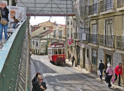 2016-04-02 Lissabon (Portugal) Tag 5-2 Alfama (7) Calçada de São Vicente