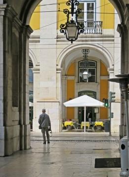 2016-04-02 Lissabon (Portugal) Tag 5-4 Praça do Comércio (4) Arkaden + Rua da Alfândega