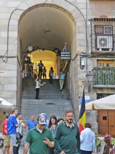 2017-04-11_10 MADRID-Urlaub (136) Calle Cava de San Miguel - Arco de Cuchilleros