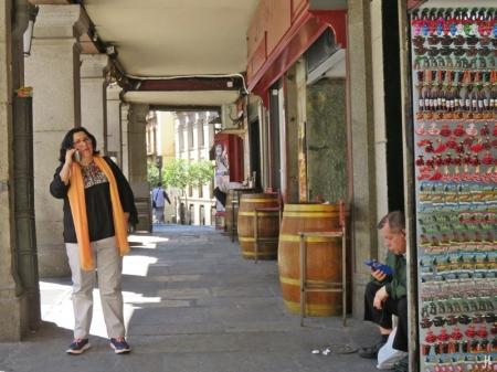 2017-04-11_12 MADRID-Urlaub (177) Plaza de la Provincia - Souvenirs+Bar