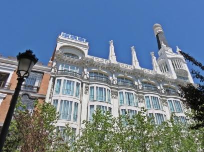 Plaza del Angel - Gran Hotel Reina Victoria, gebaut 1919-1923, Architekt: Jesús Carrasco-Muñoz y Encina, zu Beginn war es ein Kaufhaus: die 'Almacenes Simeón'