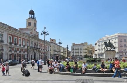 2017-04-11_17 MADRID-Urlaub (285) Puerta del Sol - Brunnen + Reiterstatue Carlos III