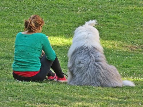 2017-04-11_7 MADRID-Urlaub (88) Restos de la Torre de los Huesos - Frau+Hund