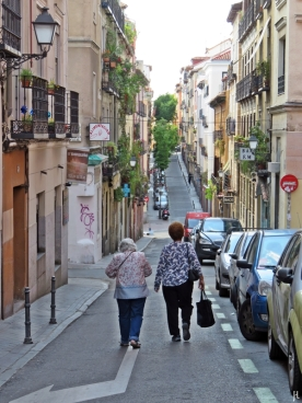 Blick durch die Calle del Olmo, gegenüber des 'Cine Doré'