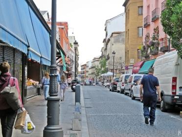 Calle de Santa Isabel - Mercado de Antón Martín: ein kleiner und unauffälliger Markt zum Einkaufen auf die alte Art.