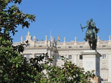 2017-04-12_2 MADRID-Urlaub (17) Plaza de Oriente+Palacio Real+Reiterstatue Philipp IV