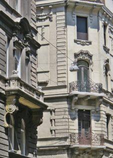 2017-07-11 Budapest_4 (25) vom Belgrád rkp. in die Irányi utca Häuser
