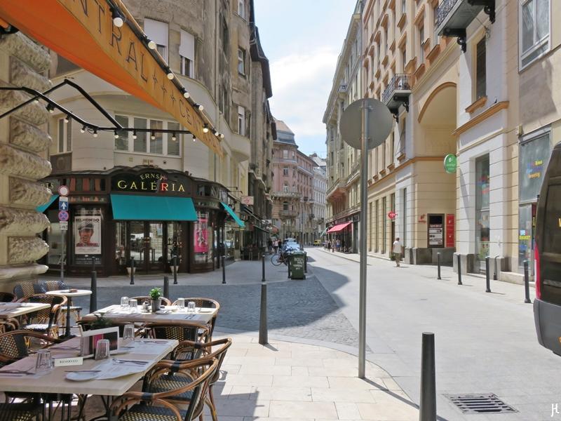 2017-07-11 Budapest (CK)_6 (107) Irányi utca - Café Central
