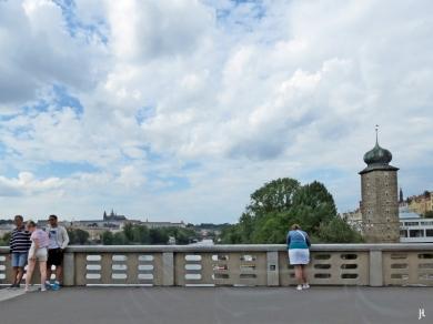2017-07-14 Prag_1 aus dem Auto (19) Jiráskuv most (Jirásek-Brücke)