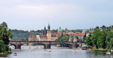 2017-07-14 Prag_1 aus dem Auto (25) Most Legií ( Brücke der Legionen)